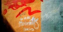La Poesía está en la calle / Frases poéticas escritas en espacios públicos y en distintos idiomas componen nuestro nuevo tablero para celebrar el Día Mundial de la Poesía 2015