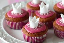 Dessert_ cupcakes / by Peony Tan