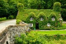 COTTAGES, HOUSES & GARDENS