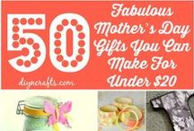 DIY Mothers Day Gifts / All the best Mothers Day crafts, gifts, quotes, high tea, DIY ideas, cards, happy, brunch ideas, mothers day gifts for grandma, food recipes, funny cards, poems, sayings, projects to make at home, breakfast ideas, flower arrangements, recipes, desserts, cupcakes, dinner ideas, and more by DIY Ready.