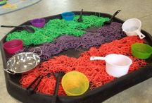 Tuff Tray Ideas / Tuff tray / spot ideas for messy, sensory and imaginative play for babies, toddlers and pre-schoolers.