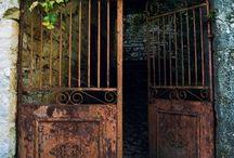 Türen, Eingänge, Tore / Alte, neue, schöne, originelle