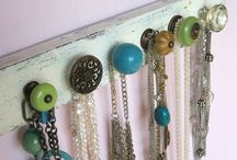Jewelry Storage Ideas / Looking for ways to store my jewelry so I can easily find what I need.