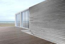 beach / house [noun] / paralian [noun] : beside the sea