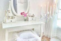 Vanity & Makeup Storage Inspiration / Vanity and makeup storage style inspiration | beauty storage ideas + inspiration
