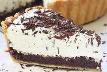 Sweet Tooth / Sweet dessert recipes that are sure to satisfy everyone!