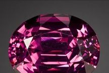 Spinel / An underrated gemstone which comes in a sumptuous palate of colours and a hardness & lustre to match