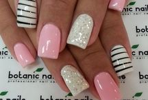 Hair and Nails / by Shelley Hayden-Bodnar