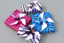 Gift Wrapping / Gift wrapping