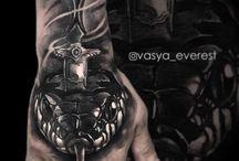 Татуировки на кистях / на пальцах / Татуировки выполнены мастерами студии Maruha на Парке Победы, СПб