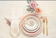 Необычная сервировка, цветная посуда. / Уникальная сервировка: цветная посуда, необычные бокалы, винтажные приборы итп