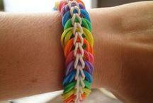 Mes créations en élastique / Des petits élastiques pour des bijoux colorés Suivez moi sur facebook : https://www.facebook.com/Dotie.creations/