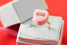 Candy Heart Art / Valentines Day DIY projects and inspiration for Candy Hearts.