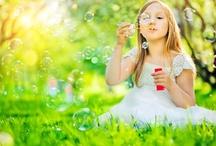 Nyári játékok gyerekeknek / Mit is játszhatnának a gyerekek ilyenkor a legnagyobb melegben?   10 képes tipp kétségbe esett szülőknek.
