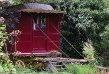 Gypsy Wagon and vintage Caravan / caravan antichi per il giardino