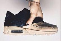 S N E A K E R S / sneaker love