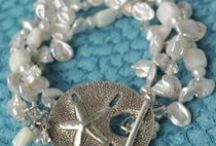 bracelet ideas / by Jeannette Hanna