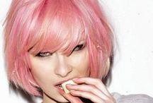 Color Inspiration: Pink hair / Kijk op www.careforhair.nl voor informatie over onze vestigingen, prijzen en openingstijden.