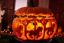 Halloween Ideas / Everything you need for Halloween! Decorations, costume and make up ideaas and more.