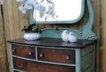 Old Furniture Makeovers / Painting tips, pallet furniture, DIY