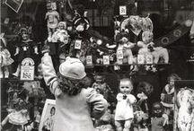 Куклы, дети, старина / Старинные куклы - моя любовь, мое вдохновение, тонкая ниточка, которая связывает меня с историей прошлого... Они такие живые, они хранят память о давно ушедших днях и о  детях, которые их любили... когда-то давным-давно... / by Северина Водзиновска