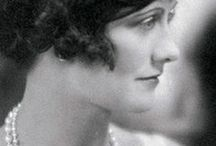 1920 Make Up, Fashion, Beauty / Make Up examples, hairstyle , fashion and beauty from 1920's