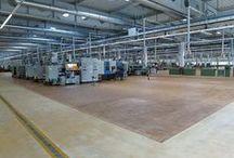 Realizacja parkietów w hali fabrycznej w Piotrkowie Trybunalskim / Realizacja parkietów w hali fabrycznej w Piotrkowie Trybunalskim