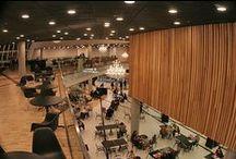 Realizacja podłogi drewnianej i ścian w Galerii Katowickiej przy dworcu / Realizacja podłogi drewnianej i ścian w Galerii Katowickiej przy dworcu