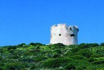 Torri costiere della Sardegna / Delle centocinque torri censite da cartografie e documenti storici, circa il 25 % è andato distrutto o si presenta  malconcio. SALVAGUARDIAMOLE!!!