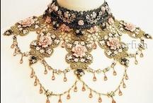 Necklaces et colliers