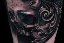 Black and Grey Tattoos / Amazing Black and Grey and outline Tattoos from all over the web --- incredibili tatuaggi in bianco e nero o solo contorno trovati sul web e selezionati per voi da Tattoo Defender