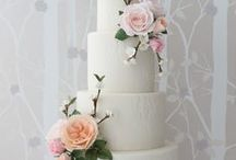 Zoe Clark Floral Wedding Cakes / My favourite floral wedding cakes!