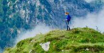 """WANDERN. Der Berg ruft! / Bist Du auch gerne draußen in der freien Natur? Einfach ein paar Tage unterwegs. zu Fuß. Mein Traum ist die Alpenüberquerung mit Kind und Hund. Dafür """"trainieren"""" wir jedes Jahr und wandern immer ein bisschen weiter. Und weil ich wandern so toll finde, habe ich auf diesem Board viele schöne Wanderungen gesammelt, denn wandern kannst Du eigentlich überall. #Inspiration #Wandern #Natur #Outdoor"""