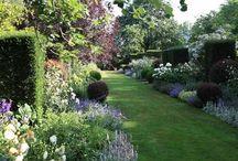 garden inspiration / garden configuration, designs, combination of flowers, seating areas etc