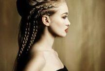 Haarige Angelegenheit / Du hast die Haare schön... du hast die Haare schön....