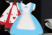 Alice In Wonderland / cakes, cupcakes, cookies ideas & tutorials