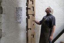 Alban LANORE Sculpteur / Sculpture contemporaine bois. Totem - sculpture murale - abstraction géométrique.