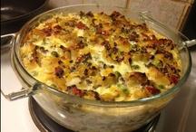 Uuni- ja vuokaruoat / Uuni kuumaksi Kotikokkaajien ohjeilla! Uunissa on helppoa tehdä maistuvaa ruokaa niin arkena kuin viikonloppunakin.