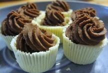 Suklaaherkut / Kukapa haluaisi elää ilman ihanaa suklaata. Keräämme tälle taululle Kotikokki.netin maistuvimmat ja kekseliäimmät suklaaherkut.