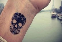 Must love tattoos / Tattoos are a work of art