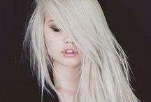 Messy, Loose & Natural Hair /