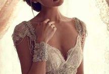 Vestidos de novia - Wedding dresses / by La gruta dulce Repostería