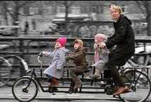 Momentum Families / Traveling together by bike.