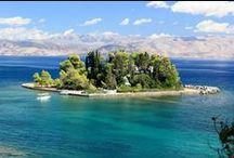 ΕΠΤΑΝΗΣΑ / Κατάφυτα από ελιές και κυπαρίσσια,τα Ιόνια νησιά είναι τα πιο πράσινα και εύφορα νησιά της Ελλάδας.Τα Επτάνησα γνώρισαν πολλούς κατακτητές,αλλά δέχθηκαν και την επίδραση του ευρωπαϊκού πολιτισμού και ιδιαίτερα της ιταλικής Αναγέννησης.Κατακτήθηκαν διαδοχικά από τους Ενετούς,Γάλλους και Άγγλους,για να ενωθούν τελικά με την Ελλάδα το 1864-