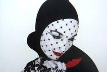 SERGE LUTENS / Πολυτάλαντος καλλιτέχνης του οποίου η σταδιοδρομία περιλαμβάνει,το σχεδιασμό μόδας,αρώματα,styling μαλλιών,φωτογραφία και τον κινηματογράφο.Παρίσι 1960 συνεργασία με Vogue,1967 με Christian Dior για να παράγει  μια σειρά καλλυντικών.,η συνεργασία το 1980 με Shiseido ήταν αμοιβαία επιτυχής.
