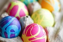 holidays | easter / Are you all about candy, bunnies, and coloring eggs? Then you'll love this collection of all things Easter! Follow this board for Easter dinner ideas, brunch ideas, side dishes, desserts, food, crafts, decorations, brunch ideas, treats, baskets, and much more...