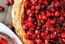 holidays | thanksgiving / Are you all about a big juicy turkey and all the fixings? Then you'll love this collection of all things Thanksgiving! Follow this board for Thanksgiving recipes, appetizers, sides, desserts, drinks, tablescapes, centerpieces, crafts, decorations, and much more...