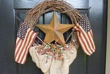 Patriotic / Burlap wreaths for your home to celebrate patriotic themes and holidays.