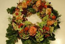 bloemen, flowers / bloemen op de vaas zetten, schikken, iets moois maken