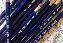 ołówki na mapie